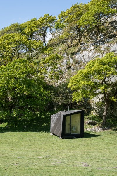 Tour One of Epic Retreat's Tiny Pop-Up Hotel Cabins in the Welsh Countryside - Photo 1 of 10 -