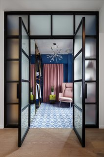 See How This Colorful Hong Kong Apartment Was Made to Feel Bigger Than it Actually Is - Photo 6 of 7 -