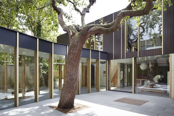 10 Homes With Large, Well-Ventilated Courtyards