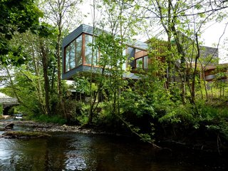 A Hovering House in the Welsh Hills That You Can Call Your Own For a Week - Photo 1 of 8 -