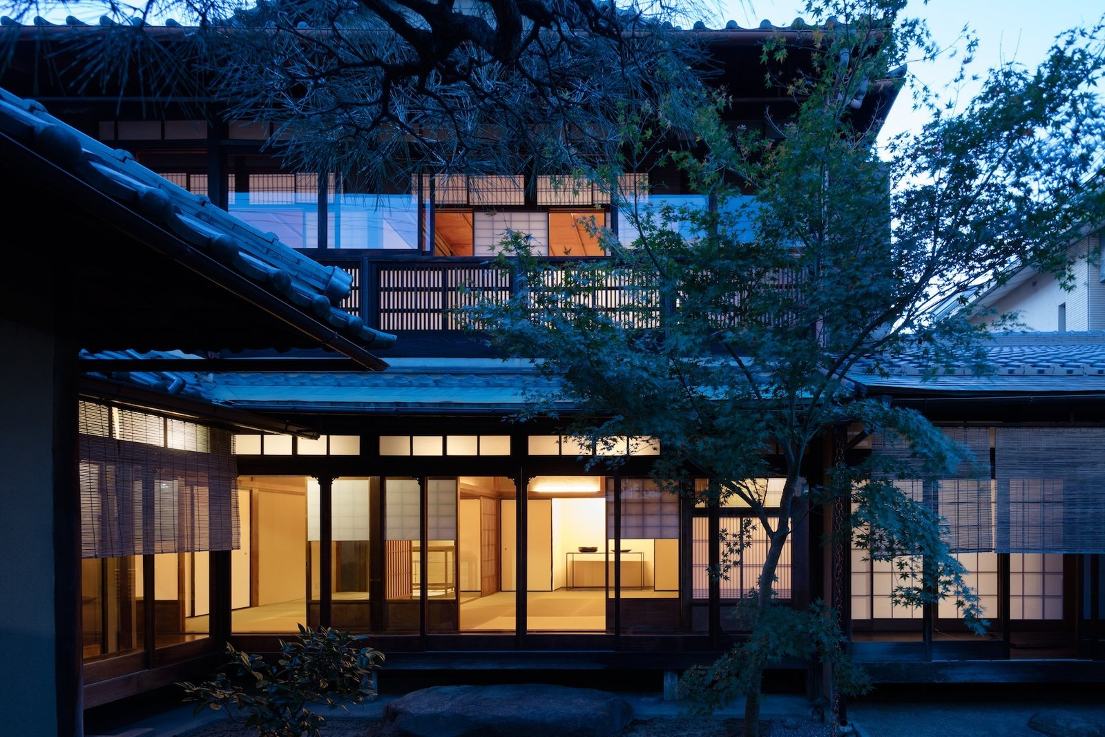 Outdoor, Garden, Hardscapes, Trees, and Walkways  Photo 12 of 13 in A Minimalist Townhouse Provides Serene Accommodations in Historic Kyoto