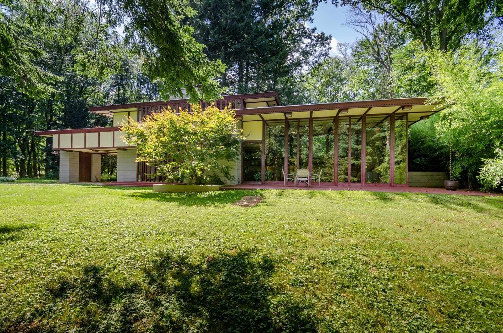 The frank lloyd wright designed louis penfield house in - Frank lloyd wright houses for sale ...