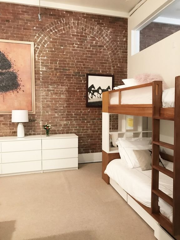 Photo 7 of 12 in Experience New York City's Eclectic Side at One of These Modern Short-Term Rentals