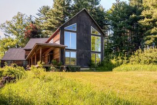 17 Modern Rentals That Give You a Front-Seat View of Incredible Fall Foliage - Photo 15 of 17 -