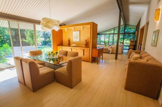 17 Modern Rentals That Give You a Front-Seat View of Incredible Fall Foliage - Photo 2 of 17 -