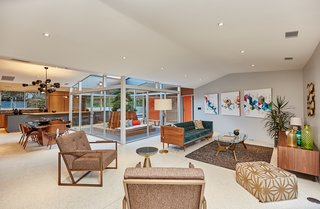A Hexagonal Midcentury Residence in Southern California Offered at $2.89M