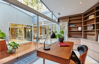 A Hexagonal Midcentury Residence in Southern California Offered at $2.89M - Photo 7 of 9 -