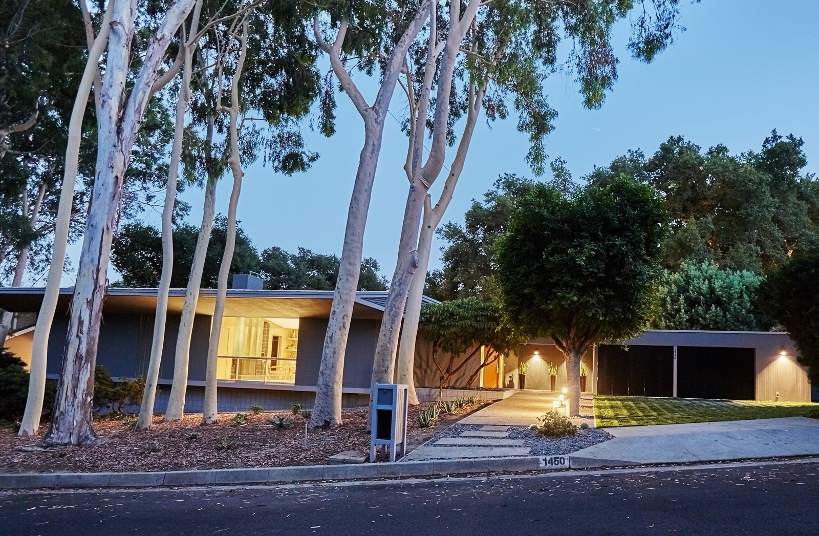 Outdoor and Front Yard  Photo 2 of 10 in A Hexagonal Midcentury Residence in Southern California Offered at $2.89M