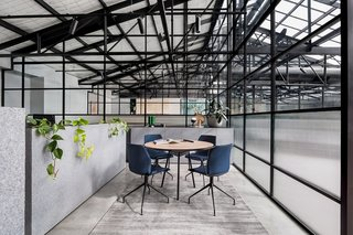 An Art Deco Warehouse in Melbourne Is Converted Into a Shared Office Space - Photo 4 of 14 -