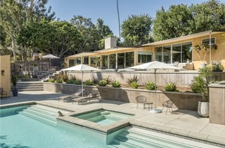Snatch Up Case Study House #10 in Pasadena For $3M - Photo 10 of 12 -