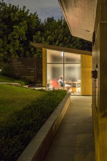 Snatch Up Case Study House #10 in Pasadena For $3M - Photo 12 of 12 -