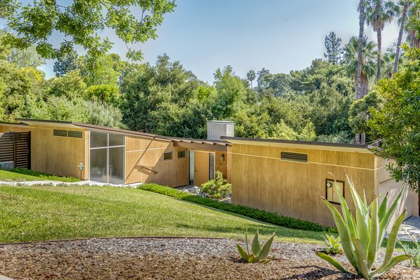 Snatch Up Case Study House #10 in Pasadena For $3M