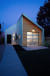 Clad in Cedar and Metal, an Indianapolis Home Gives a Modern Salute to its Traditional Surroundings - Photo 11 of 11 -