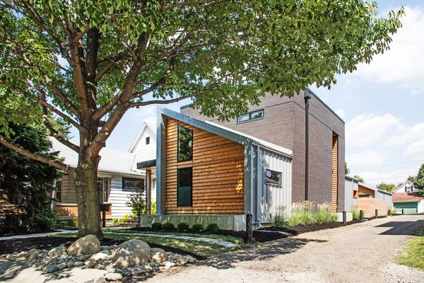 Clad in Cedar and Metal, an Indianapolis Home Gives a Modern Salute to its Traditional Surroundings