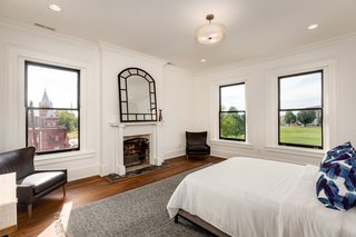 Modern Interiors Shine Behind the 19th-Century Facade of This Nashville Home, Now Asking $2.1M - Photo 7 of 13 -