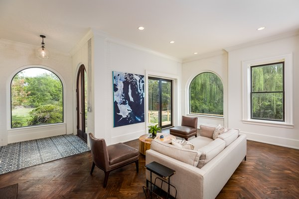 Photo 4 of 14 in Modern Interiors Shine Behind the 19th-Century Facade of This Nashville Home, Now Asking $2.1M