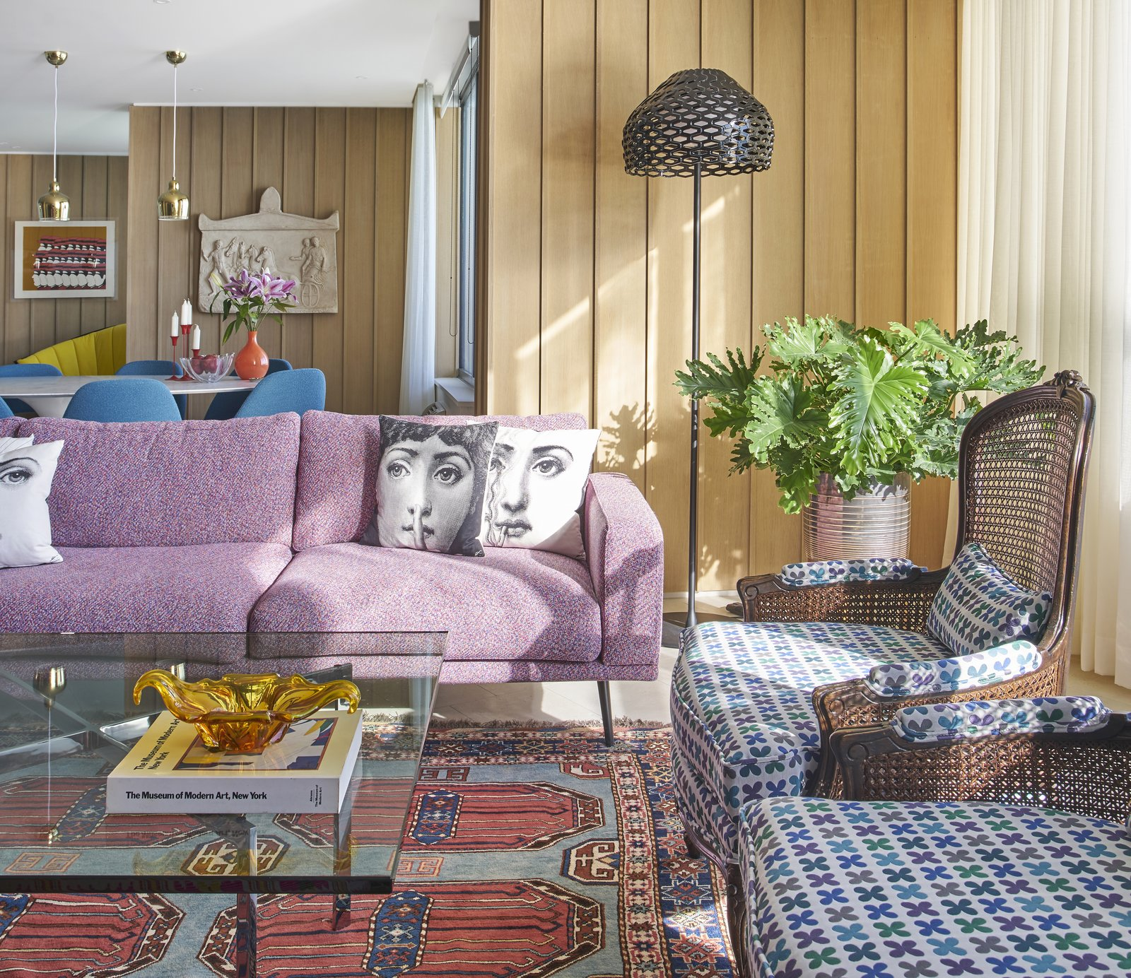An Interior Designer Helps His Mother Turn Her 1960s Chicago Apartment Into  A Colorful Haven
