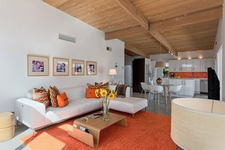 8 Midcentury-Modern Vacation Homes You Can Rent in Palm Springs - Photo 7 of 12 -