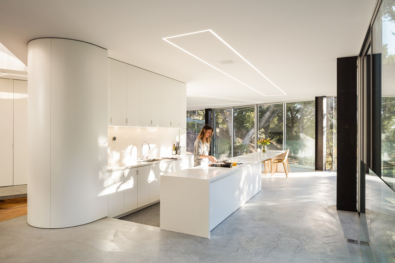 These 30 White Kitchens Are Anything But Ordinary - Dwell