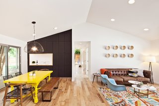 An Austin Couple Turn a Ranch Home Into a Refreshing Live/Work Space - Photo 4 of 13 -