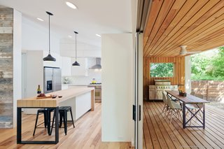 An Austin Couple Turn a Ranch Home Into a Refreshing Live/Work Space - Photo 6 of 13 -