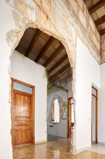A Salvaged Apartment on Mallorca Leaves its Roots Exposed - Photo 10 of 13 -