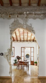 A Salvaged Apartment on Mallorca Leaves its Roots Exposed - Photo 11 of 13 -