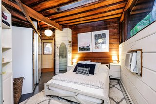 Live Out Frank Lloyd Wright's Usonian Vision in This Home That's Asking $725K - Photo 6 of 10 -