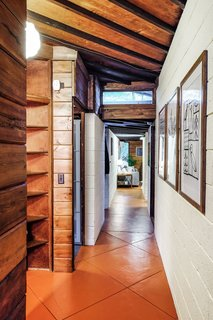 Live Out Frank Lloyd Wright's Usonian Vision in This Home That's Asking $725K - Photo 5 of 10 -