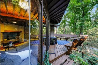 Live Out Frank Lloyd Wright's Usonian Vision in This Home That's Asking $725K - Photo 2 of 10 -