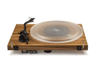 Why the Crosley C20 Turntable Should Be on the Design and Music Lover's Wish List - Photo 1 of 4 -