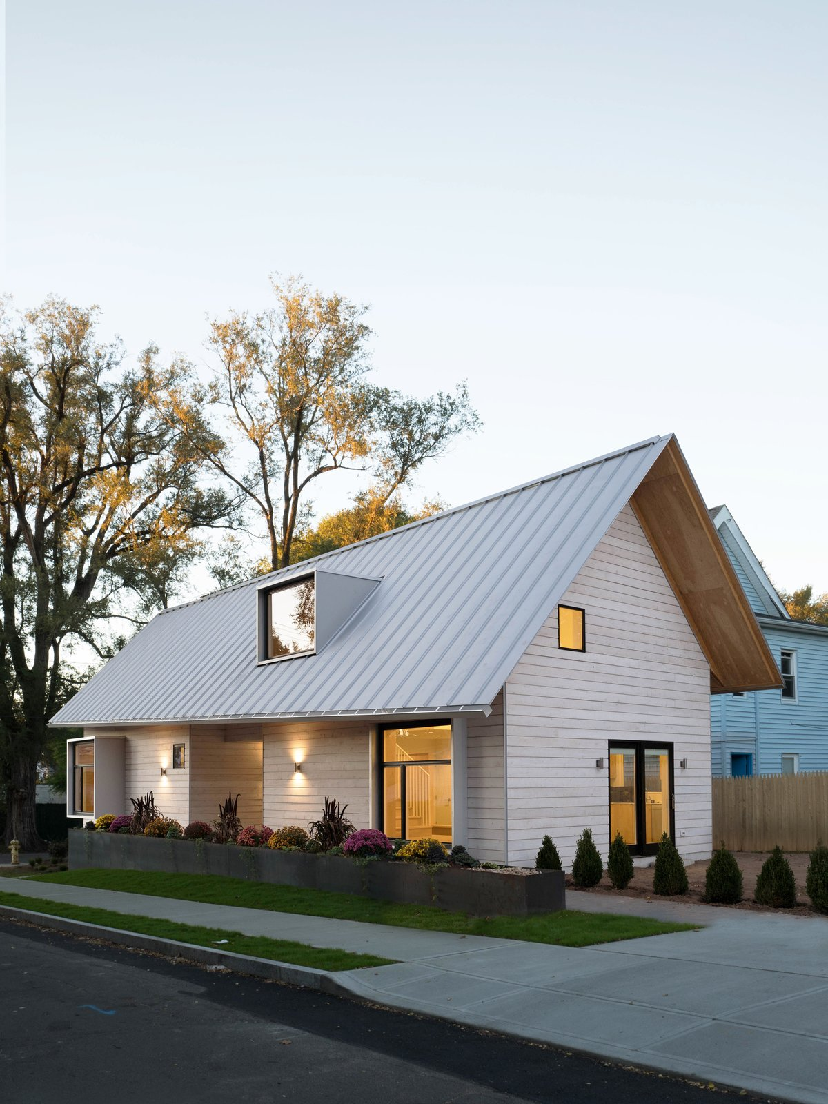 Exterior, Metal Roof Material, Shed RoofLine, House Building Type, And Wood  Siding