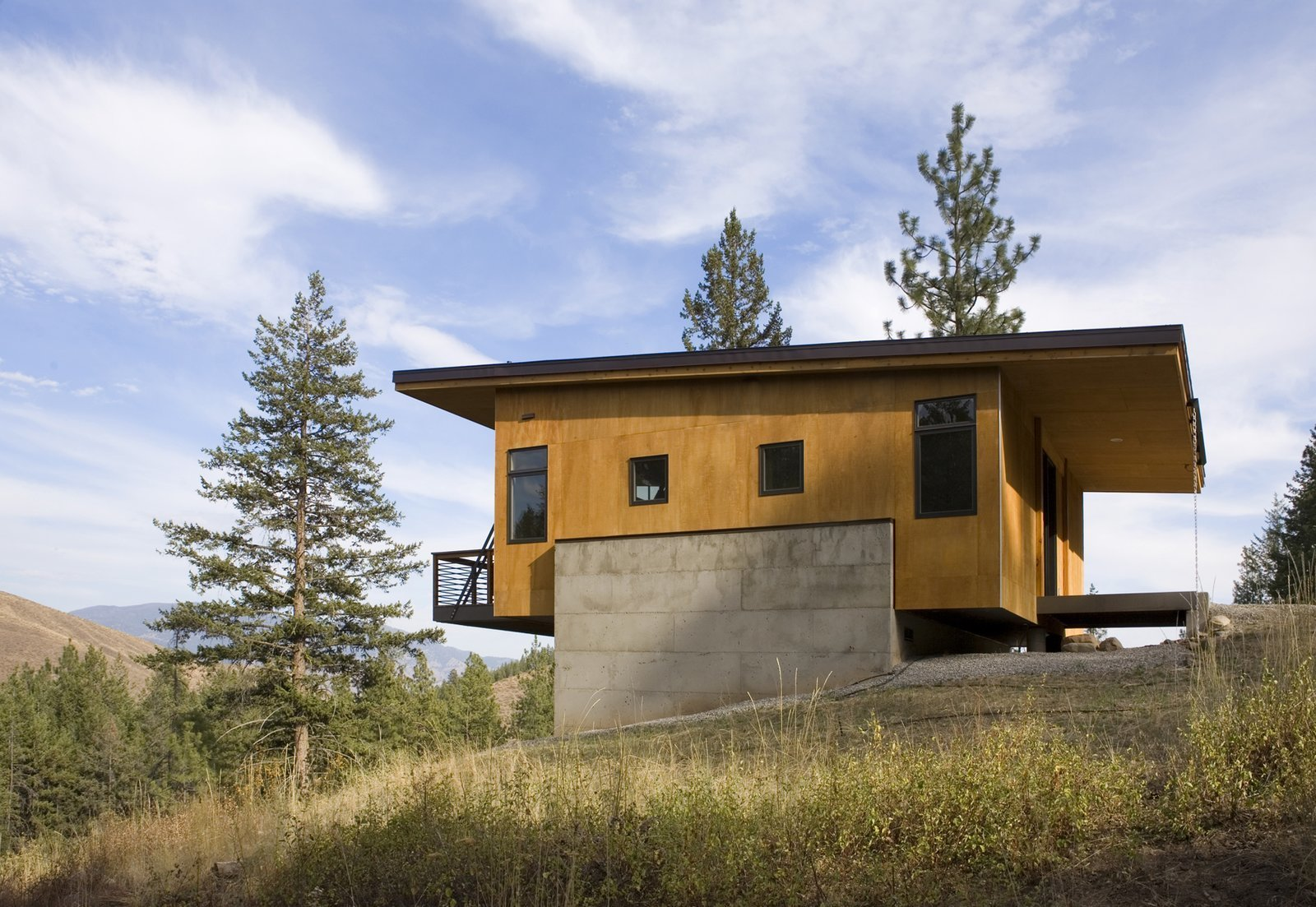 Simple Cabin Embraces Its Mountain Setting by Zachary Edelson