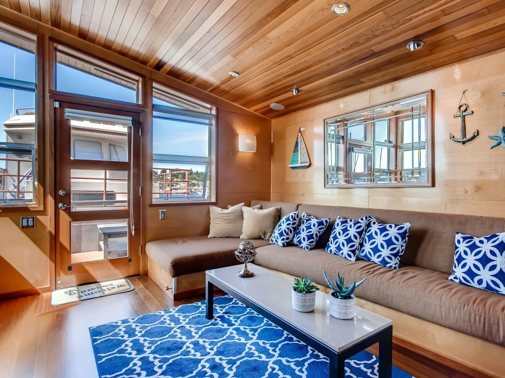 Photo 10 of 13 in Rent Out One of These Cool Houseboats or Floating Homes