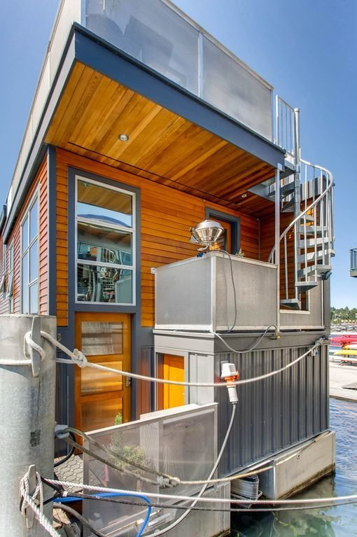 Photo 9 of 13 in Rent Out One of These Cool Houseboats or Floating Homes