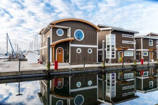 Rent Out One of These Cool Houseboats or Floating Homes - Photo 12 of 13 -