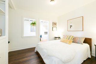 House of Cards Actor Molly Parker's Echo Park Bungalow Goes For $899K - Photo 7 of 11 -
