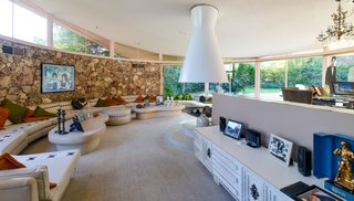 Elvis Presley's Palm Springs Honeymoon Retreat Hits the Market - Photo 2 of 8 -