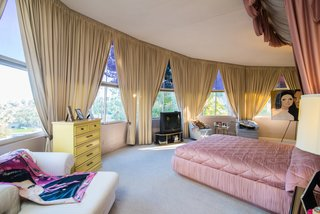 Elvis Presley's Palm Springs Honeymoon Retreat Hits the Market - Photo 7 of 8 -