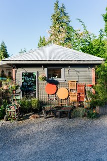 This 120-Year-Old Home With a Greenhouse Is a Gardener's Paradise - Photo 8 of 27 -