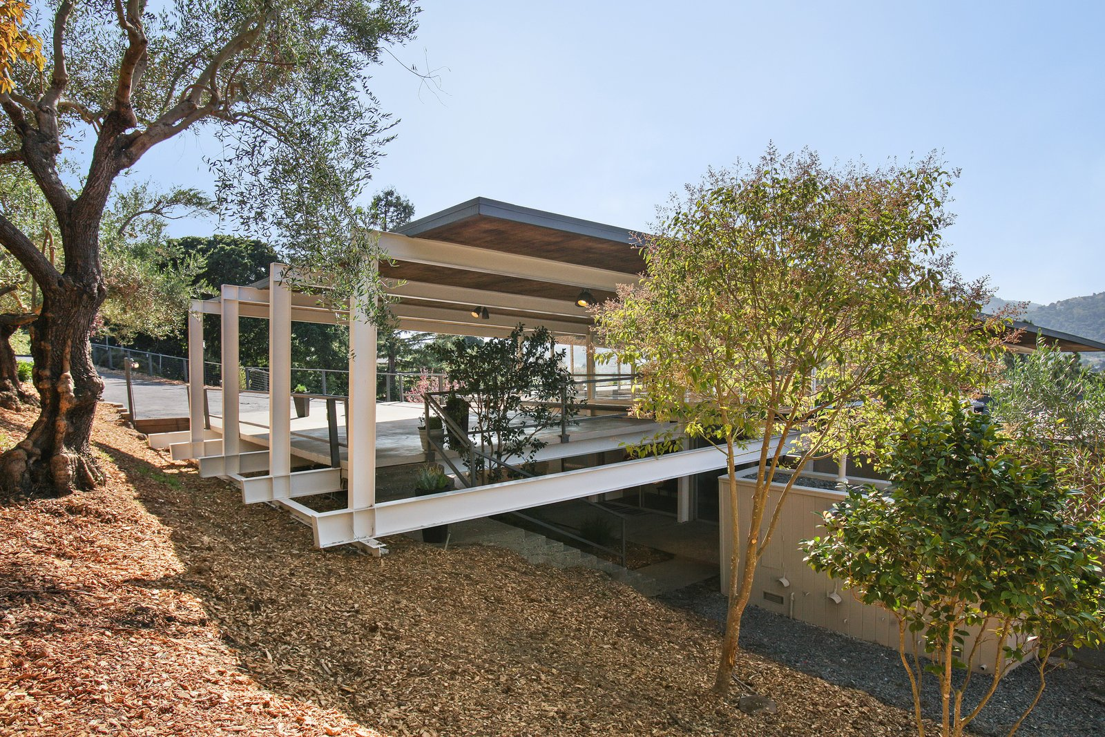 Spend the Night in an Iconic Case Study House North of San Francisco