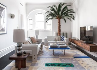 A 19th-Century Schoolhouse in Brooklyn Becomes a Classy Apartment - Photo 4 of 21 -