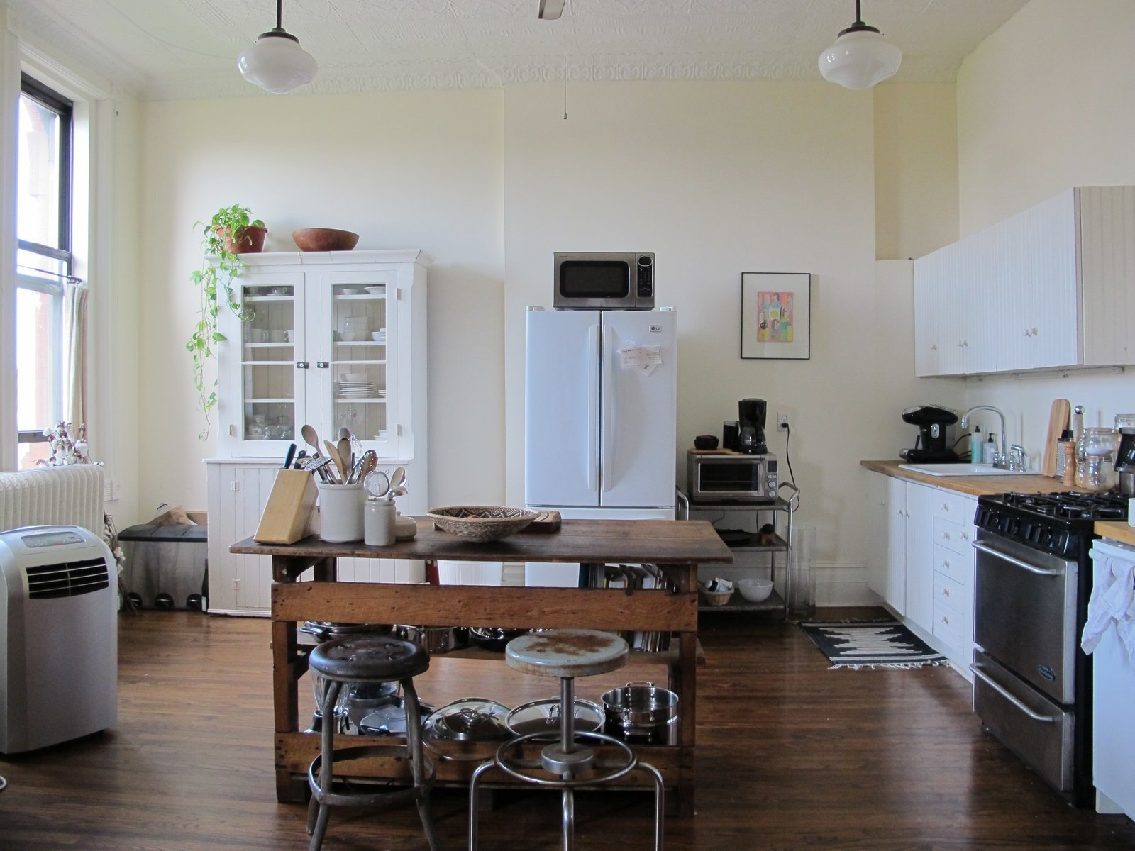 Photo 9 of 22 in A 19th-Century Schoolhouse in Brooklyn Becomes a Classy Apartment