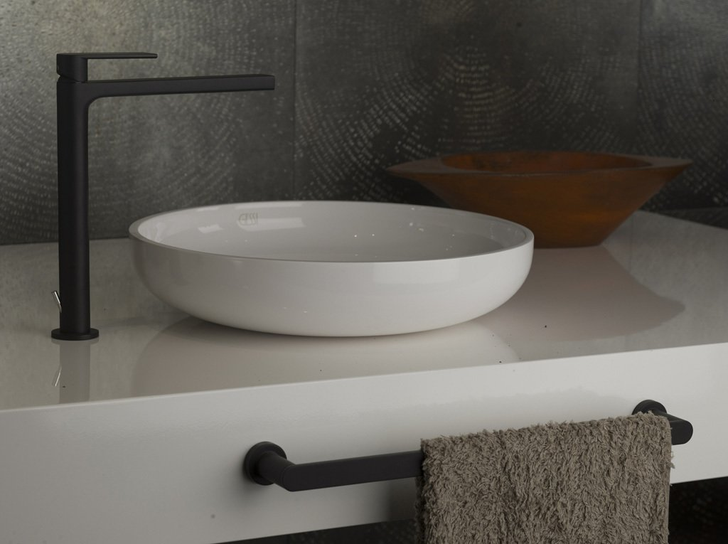 Photo 16 of 32 in Watch Out For These Two Kitchen and Bath Trends in ...