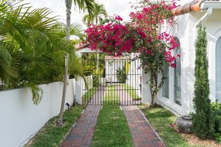 Escape the Cold to One of These Cool Vacation Rentals in Miami - Photo 3 of 7 -