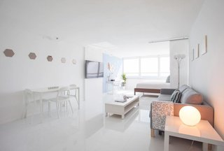 Escape the Cold to One of These Cool Vacation Rentals in Miami - Photo 2 of 7 -