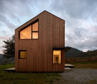 This Affordable Prefab in Spain Only Took 5 Hours to Assemble - Photo 6 of 14 -