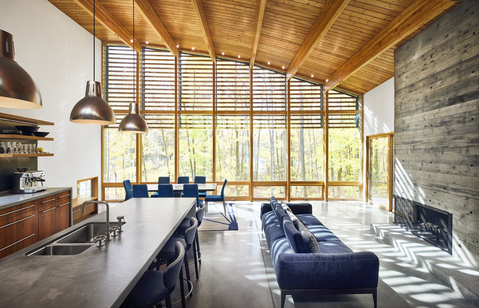 Photo 5 Of 16 In A Curved House In Ontario Bends 100 Degrees For Forest  Views   Dwell