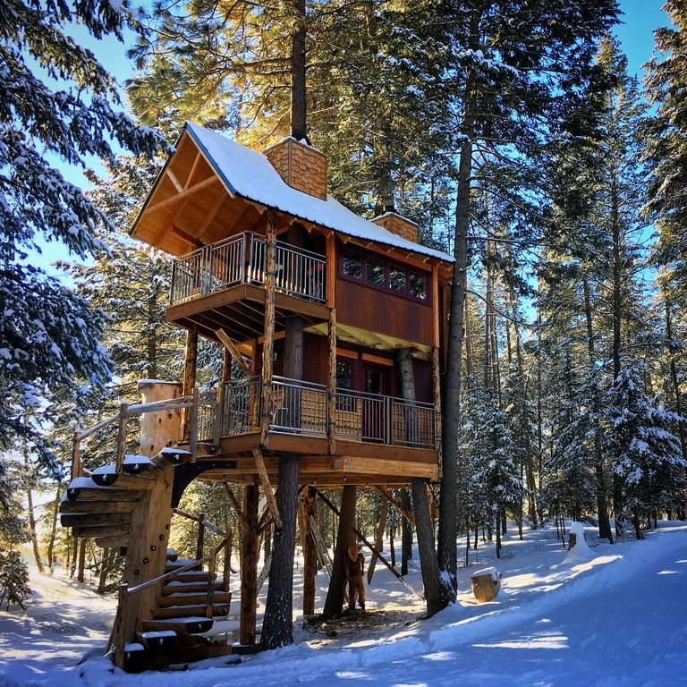 Modern Craftsman Homes: Montana Treehouse Retreat Modern Home In Whitefish