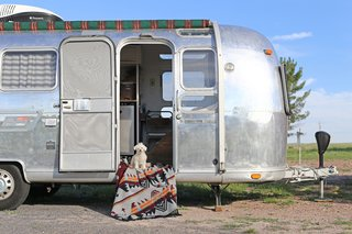 Before & After: A Couple Revamp an Old Airstream Into a Charming Workspace and Home - Photo 17 of 18 -